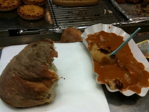 Currywurst von einem Anbieter (Name der Redaktion bekannt) im Niederdorf
